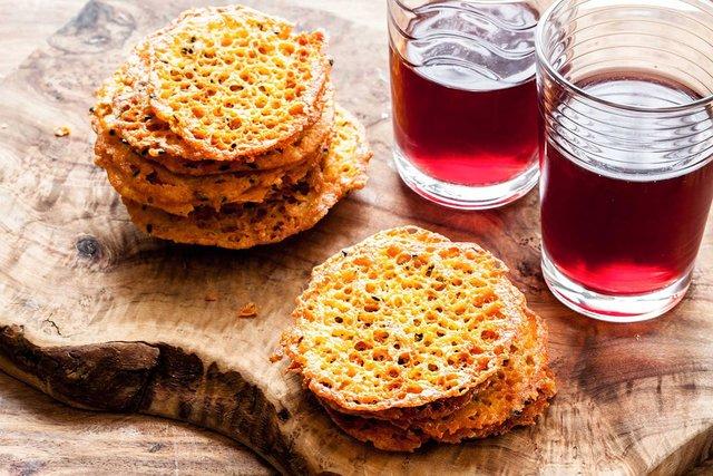 Домашні сирні чіпси - фото 291111