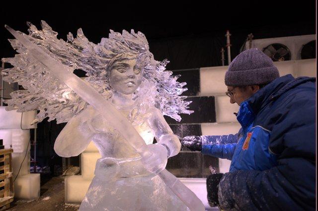 У Брюгге відкрилася виставка льодяних скульптур: яскраві фото - фото 291231