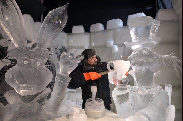 У Брюгге відкрилася виставка льодяних скульптур: яскраві фото - фото 291233