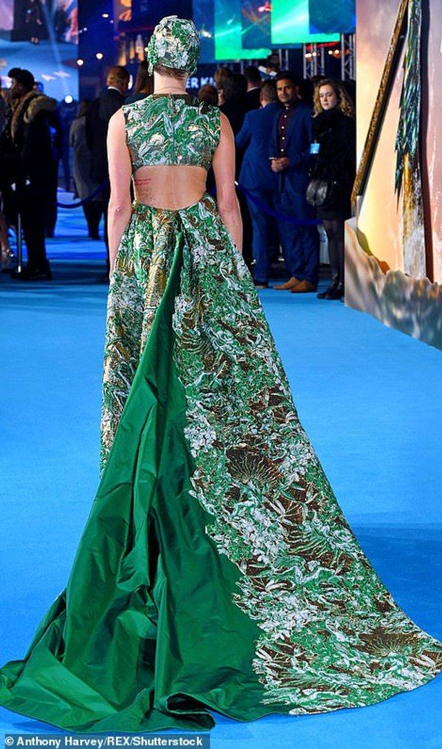 Ембер Херд покрасувалась у екстравагантному платті   - фото 291577