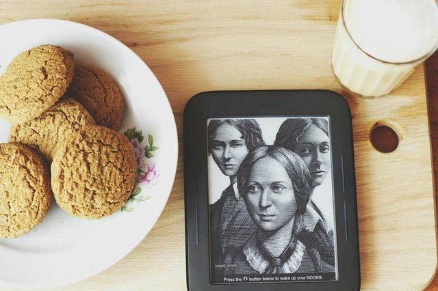 Електронна книжка – ідеальний подарунок для книголюба - фото 291749