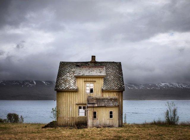 Фотограф показала занедбані помешкання Скандинавії: ефектні кадри - фото 292529