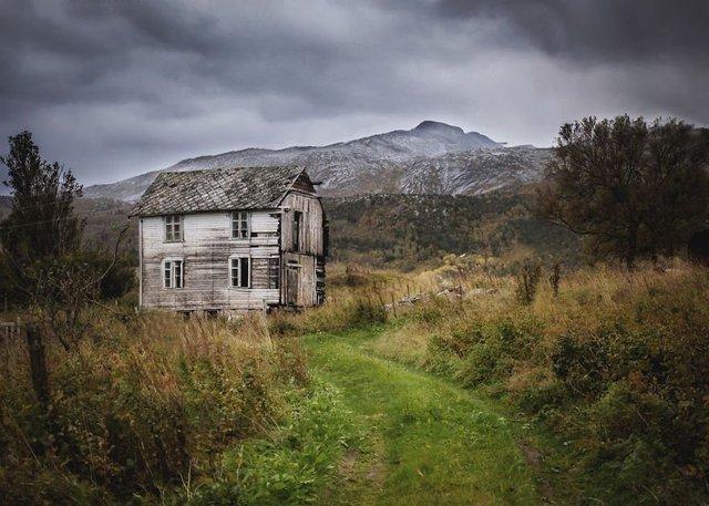 Фотограф показала занедбані помешкання Скандинавії: ефектні кадри - фото 292531