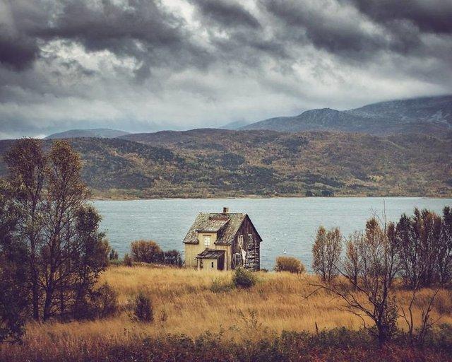 Фотограф показала занедбані помешкання Скандинавії: ефектні кадри - фото 292535