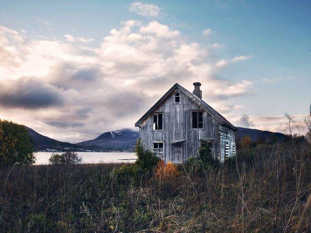 Фотограф показала занедбані помешкання Скандинавії: ефектні кадри - фото 292537