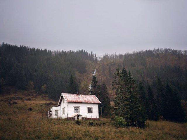 Фотограф показала занедбані помешкання Скандинавії: ефектні кадри - фото 292539