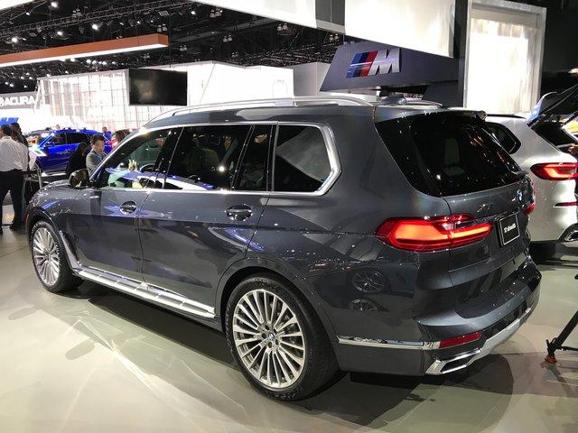 Новий BMW X7 виявився просто величезним  - фото 292694