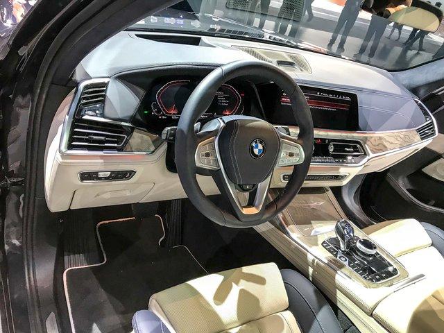 Новий BMW X7 виявився просто величезним  - фото 292695