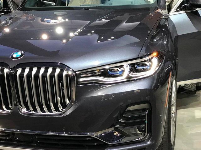 Новий BMW X7 виявився просто величезним  - фото 292696