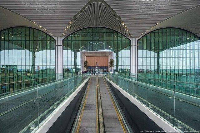 Так виглядає найбільший аеропорт в світі - фото 292782