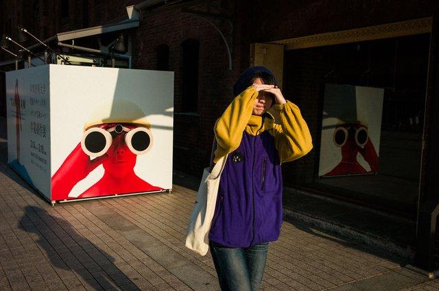 Незвичайні моменти щоденного життя в Японії: яскраві фото - фото 292826