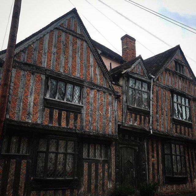 Перфекціоністи б плакали: як виглядає криве селище в Англії - фото 292953