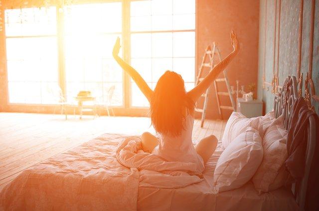 Науковці вважають, що найкраще прокидатися до шостої ранку - фото 292972