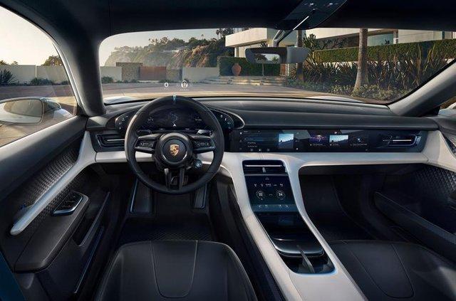 Porsche Cross Turismo проходить віртуальне тестування - фото 293034