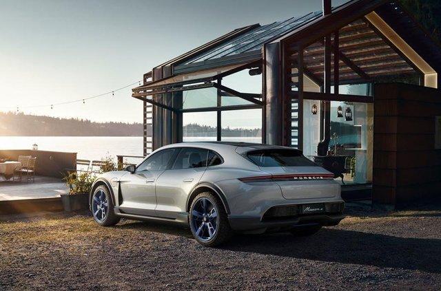 Porsche Cross Turismo проходить віртуальне тестування - фото 293036