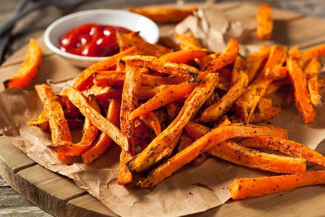 Корисними вважаються лише ШІСТЬ скибочок картоплі фрі - фото 293053