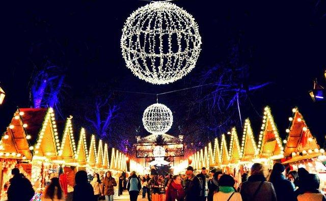 Прогуляйтесь різдвяним ярмарком у Львові - фото 293066