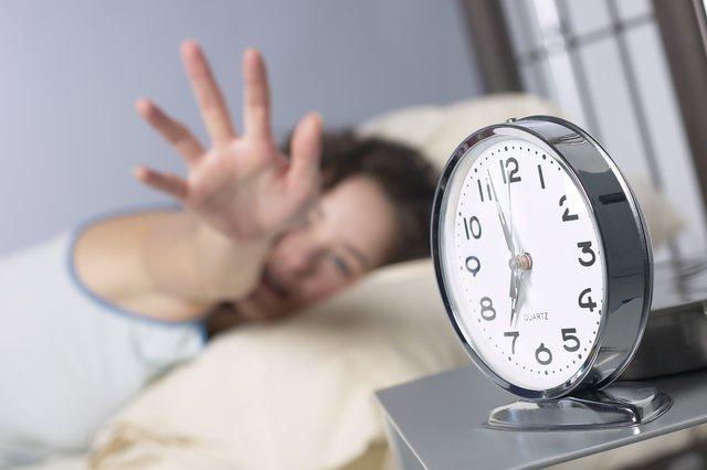 Будильник спричиняє появу стресу з самого ранку - фото 293245