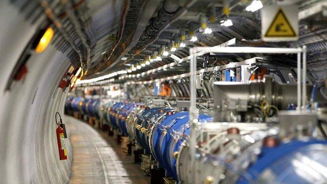 Великий адронний колайдер зупинили на два роки - фото 293250