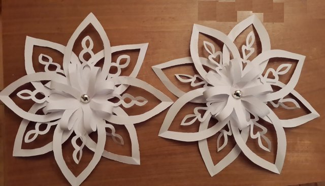 Креативні сніжинки з паперу  - фото 293339