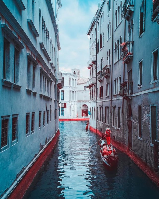 Італієць показує світ у нетипових кольорах: вражаючі фото - фото 293451
