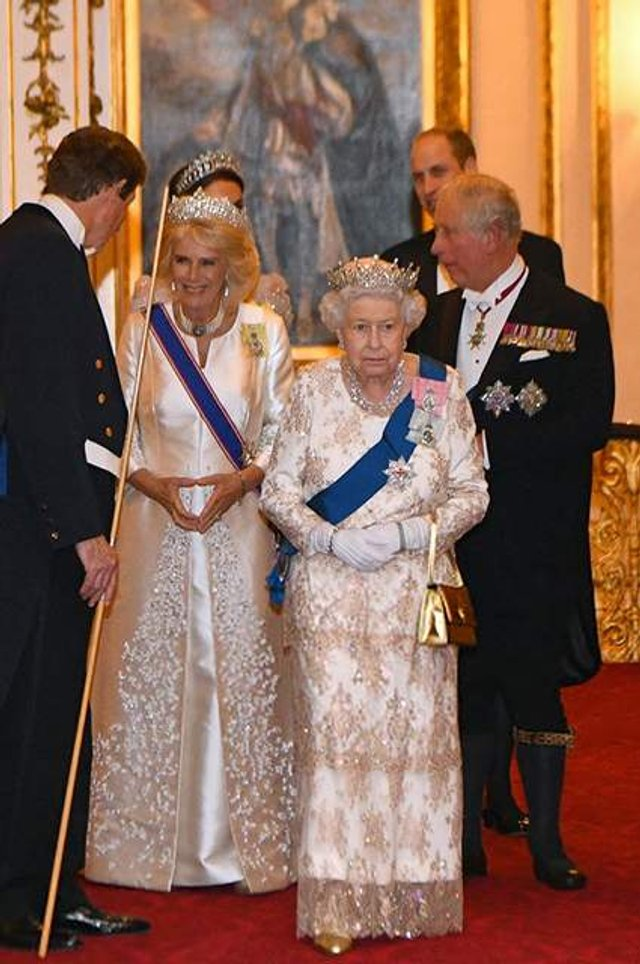 Кейт Міддлтон з'явилася на публіці у тіарі принцеси Діани - фото 293502