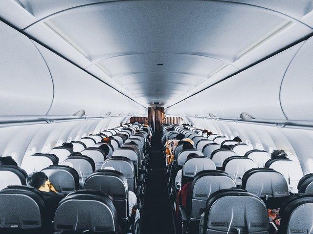 Чай і кава на борту літаків можуть завдати шкоди здоров'ю - фото 293592
