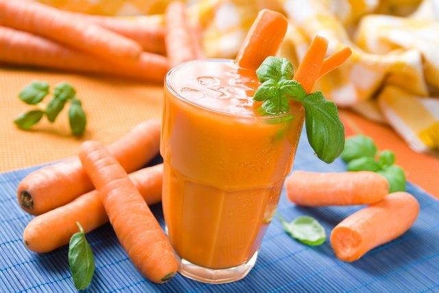 Морквяний сік надзвичайно корисний для здоров'я - фото 293661