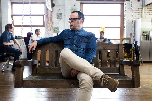 Чи шкідливо сидіти 'нога на ногу' - фото 293752
