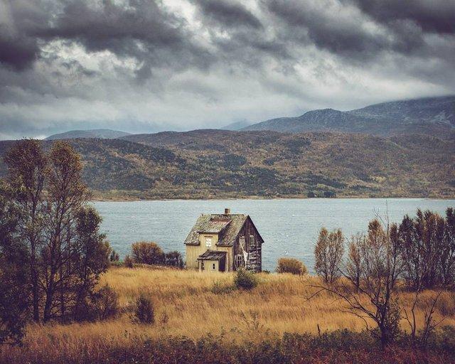 Так виглядає Норвегія за полярним колом: атмосферні знімки - фото 293946