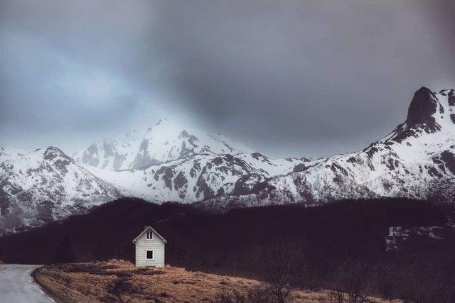 Так виглядає Норвегія за полярним колом: атмосферні знімки - фото 293948