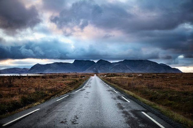 Так виглядає Норвегія за полярним колом: атмосферні знімки - фото 293949