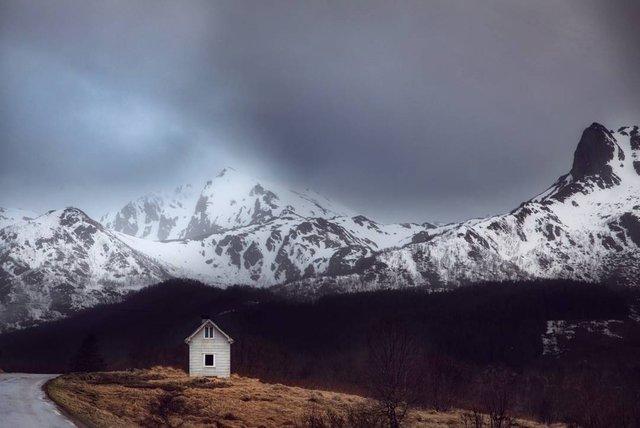 Так виглядає Норвегія за полярним колом: атмосферні знімки - фото 293950