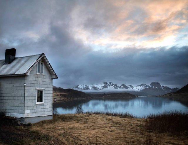 Так виглядає Норвегія за полярним колом: атмосферні знімки - фото 293952