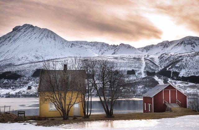 Так виглядає Норвегія за полярним колом: атмосферні знімки - фото 293953