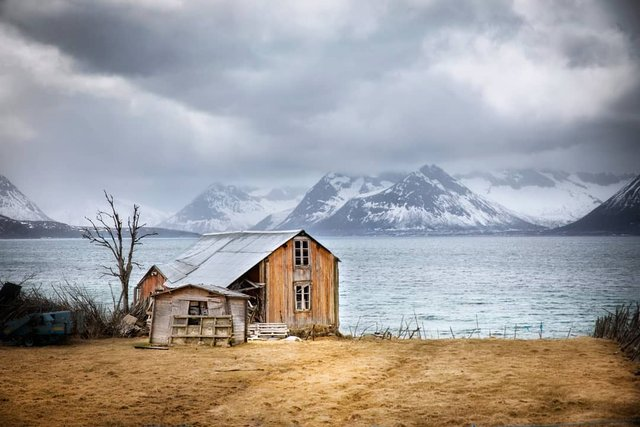 Так виглядає Норвегія за полярним колом: атмосферні знімки - фото 293954