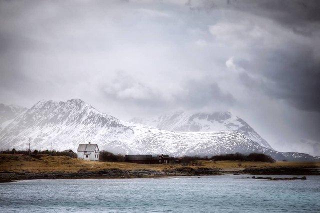 Так виглядає Норвегія за полярним колом: атмосферні знімки - фото 293957