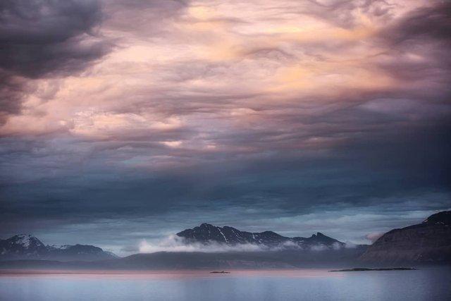 Так виглядає Норвегія за полярним колом: атмосферні знімки - фото 293958