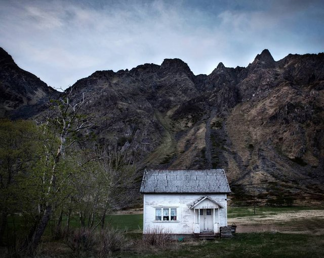 Так виглядає Норвегія за полярним колом: атмосферні знімки - фото 293960