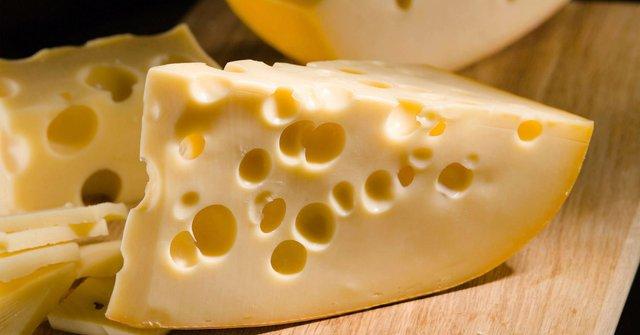 Ось, чому слід обмежити вживання сиру  - фото 294009