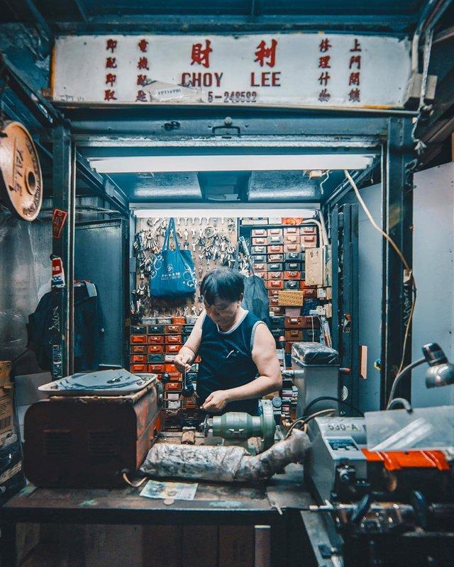 Гонконг у яскравих вуличних фото Дональда Чана - фото 294093