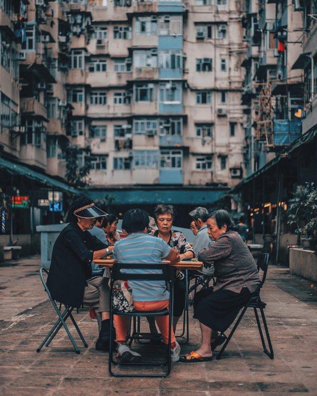 Гонконг у яскравих вуличних фото Дональда Чана - фото 294099