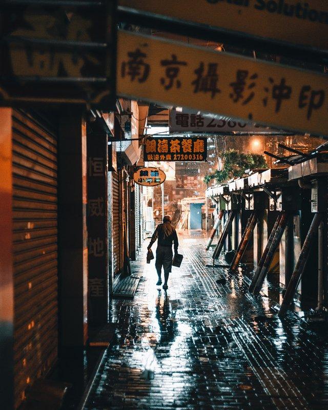 Гонконг у яскравих вуличних фото Дональда Чана - фото 294100