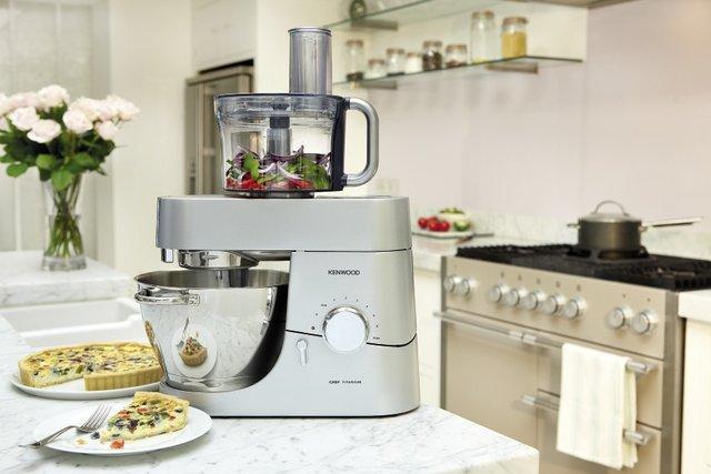 Кухонна машина суттєво полегшить процес готування - фото 294262