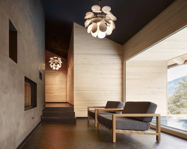 Архітектори створили дім для відпочинку біля Альп: яскраві фото - фото 294533