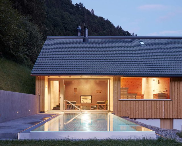 Архітектори створили дім для відпочинку біля Альп: яскраві фото - фото 294538