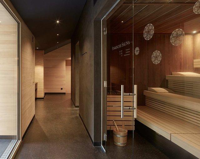 Архітектори створили дім для відпочинку біля Альп: яскраві фото - фото 294539