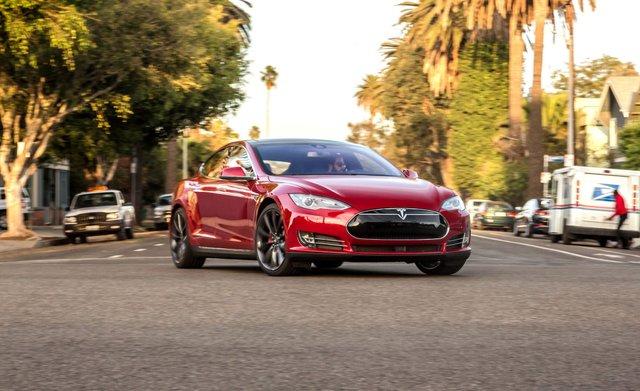 Tesla отримає вдосконалений автопілот - фото 294612