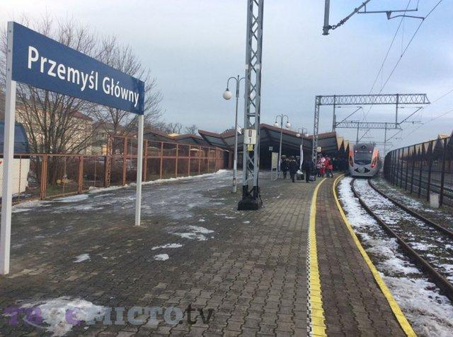 Укрзалізниця запускає новий поїзд до Польщі  - фото 294770