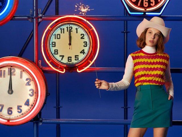 Міллі Боббі Браун знялася у святковому кампейні Calvin Klein - фото 294879